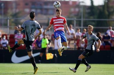 Plomer en el partido ante el Murcia. Foto: Pepe Villoslada / Granada CF.