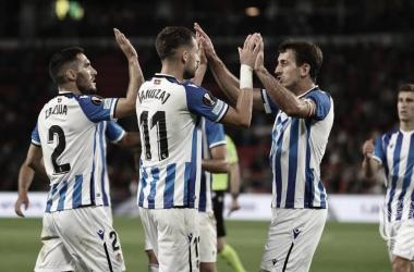 Zaldua, Januzaj y Oyarzabal celebran el tanto del belga / Foto: Real Sociedad.