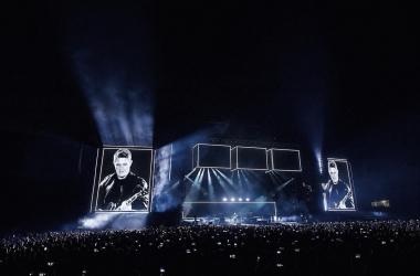 Alejandro Sanz llenando el Estadio Martínez Valero con su concierto | Foto: Rubén Bonmatí, VAVEL Música