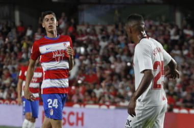 Carlos Fernández durante el partido del Granada CF frente al Sevilla. Foto: Antonio L Juárez