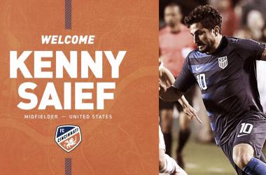 Kenny Saief firma con FC Cincinnati
