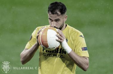 Antes de lanzar el penalti ante el United | Foto: Villarreal CF