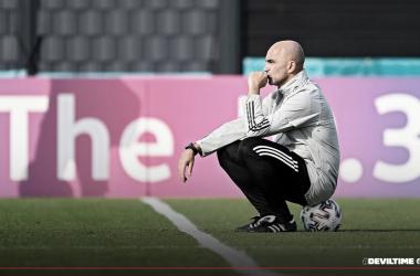 Roberto Martínez no descarta a Hazard y De Bruyne