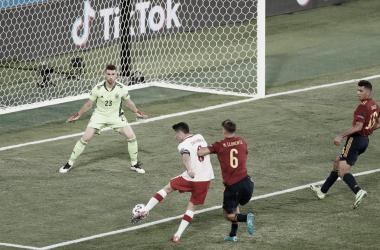 Otro menudo tostón de 'La Roja' en Sevilla y se jugará la clasificación a la segunda ronda en la última jornada del grupo E | Fotografía: UEFA