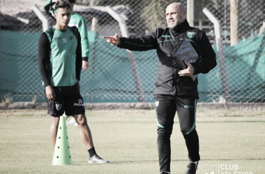 Facundo Villalba buscará obtener buenos resultados y que mejor oportunidad que un debut en Concepción<div>Imagen: @CASanMartinSJ</div>