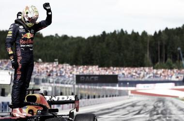 Max Verstappen celebra la victoria. Fuente: Red Bull Racing