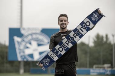 Rafa De Vicente en su presentación como jugador del Deportivo | Fuente: RC Deportivo