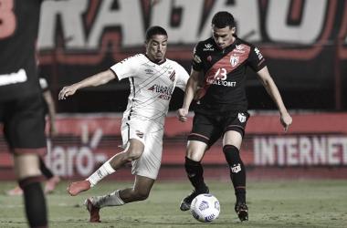 Gols e melhores momentos de Atlético-GO 0 x 2 Athletico-PR pelo Campeonato Brasileiro