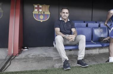 Sergi Barjuan en el banquillo del Johan Cruyff. | Foto: Noelia Déniz