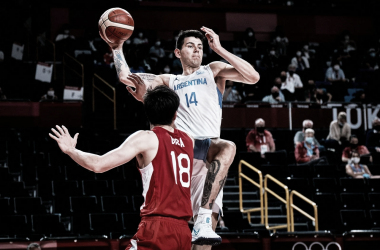 """El """"Tortu"""" Deck volvió a su gran nivel luego de dos partidos flojos. Foto: @FIBA"""