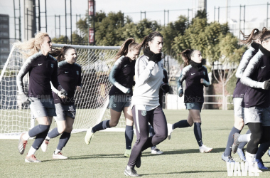 Entrenamiento del femenino en la Ciutat Esportiva Joan Gamper | Foto de Noelia Déniz, VAVEL