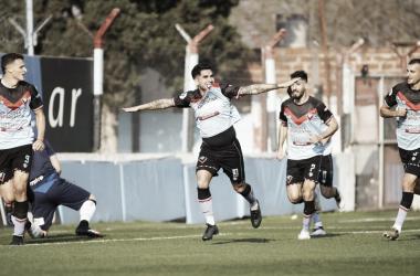 Un gol en el inicio del partido que condiciono el desarrollo del mismo. Celebra el 'chueco' Sproat.<div>Imagen: @CABrown_Oficial.</div>