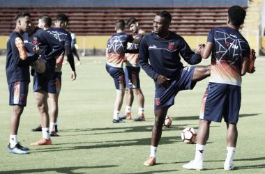 Elenco do Vasco em último treino, já no Equador, para confronto contra LDU. (Foto: Carlos Gregório Jr/Vasco.com.br)