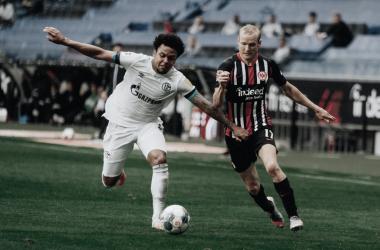Frankfurt vence em casa e amplia crise do Schalke 04