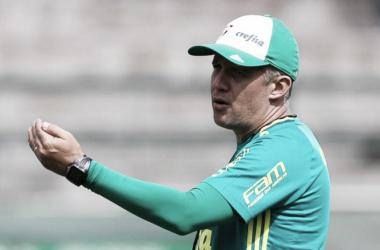 Com novidades, Eduardo Baptista relaciona 22 atletas para amistoso contra a Ponte Preta