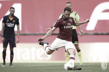 Com gols na reta final, Milan vence clássico contra Roma e alcança segundo triunfo seguido