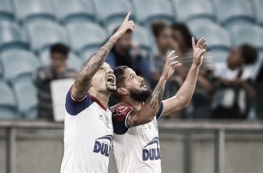 Em confronto direto pelo G-6, Bahia surpreende e bate Grêmio em Porto Alegre