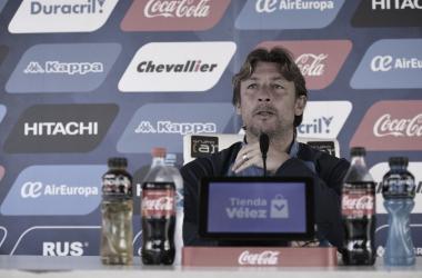'El Gringo' en plena conferencia. (Twitter).