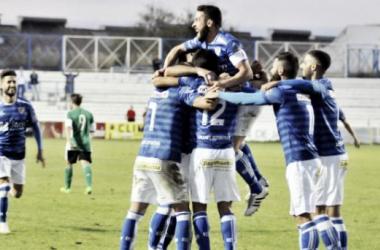 RB Linense - Linares Deportivo: victoria para la tranquilidad