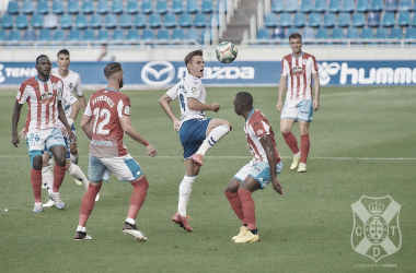La falta de ambición condena al Tenerife (1-2)