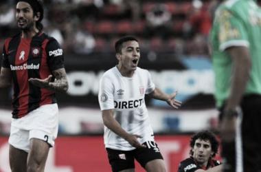 Estudiantes de la Plata frente a San Lorenzo en el torneo de Primera División 2016-2017.