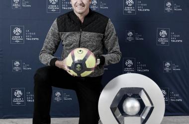 Com passagem vitoriosa pelo Lyon, da França, o brasileiro Edmilson é o novo embaixador da Liga Francesa (Imagem: FIVE Agência / Divulgação)