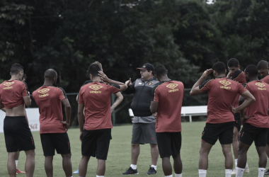 Para voltar ao G-4, Sport precisa vencer o líder Bragantino (Foto: Divulgação / Sport Recife)
