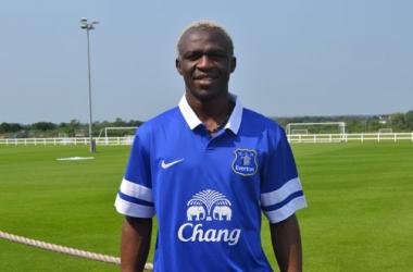 Everton anuncia a contratação do atacante Arouna Koné