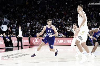 Jugada de Krunoslav SImon Anadolu Efes - Real Madrid / Foto: (Euroliga)