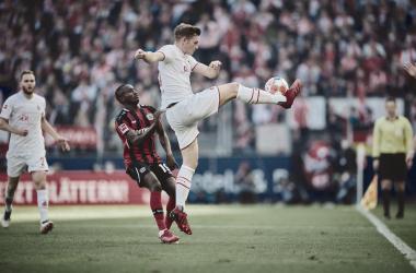 Modeste marca dois e Colônia busca empate contra rival Bayer Leverkusen no segundo tempo