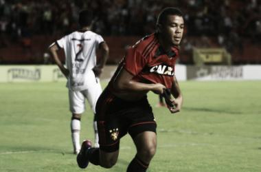 Após repercussão negativa, Corinthians se pronuncia sobre contratação do atacante Juninho