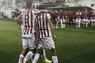 Pons y Castro festejan en el casa tigrense (Foto: CASM Oficial).