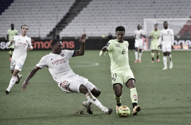 Depay anota hat-trick e Lyon estreia na Ligue 1 com goleada sobre Dijon