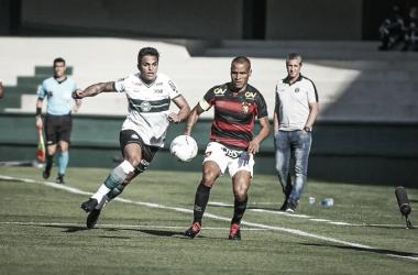Gol de pênalti no fim marca vitória monótona do Coritiba sobre Sport pelo Brasileirão