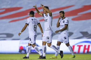 Gallos sigue invicto como local