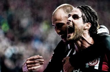 Eintracht Frankfurt vence, e mantém invencibilidade na Bundesliga
