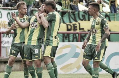 El festejo de los jugadores en el único tanto frente a Defensa y Justicia (Foto: Club Atlético Aldosivi)