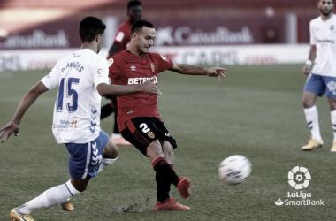 El Tenerife naufraga en Mallorca (2-0)