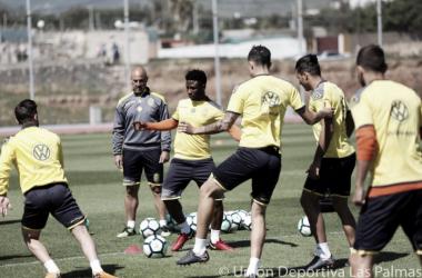 Los jugadores, esta mañana, en un entrenamiento para la disputa ante el RC Deportivo | Fuente de imagen: UD Las Palmas