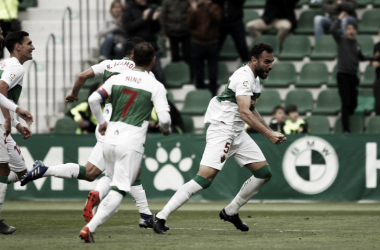 Gonzalo Verdú celebra el tercer tanto del Elche | LaLiga 1|2|3