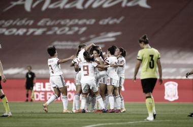 La selección española ya clasificada a la UEFA Euro Femenina de Inglaterra, anhela concluir invicta en el grupo D | Fotografía: Sefutbol Fem