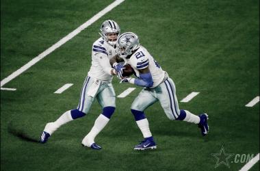 Ezekiel Elliott y Dak Prescott guían Cowboys hacia la siguiente ronda // Foto: Dallas Cowboys oficial.