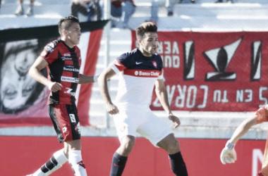 Más el autor de los goles. Foto: Clarín