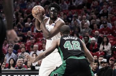 Embiid contra Horford es uno de los mejores duelos de la serie.   Foto: NBA.com/sixers