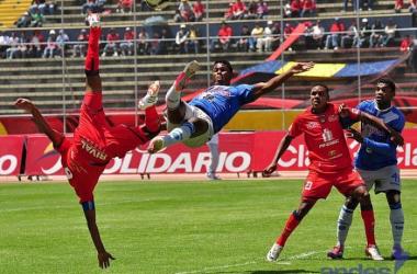 Foto: Andes/ Emelec se enfrentó a El Nacional