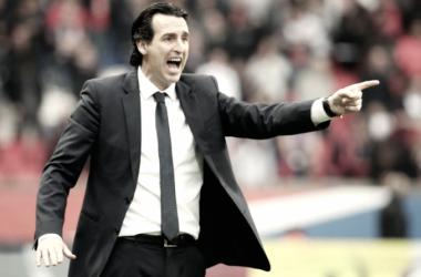 """Emery celebra título e garante permanência no PSG: """"Tenho um ano de contrato e estou feliz aqui"""""""