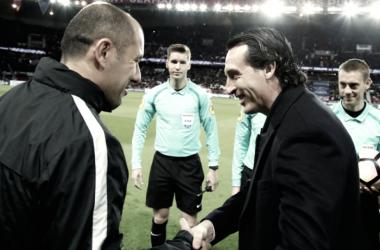 """Feliz com vaga na final, Emery parabeniza equipe do PSG: """"Fizemos uma partida completa"""""""