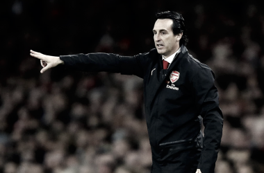 Unai Emery da órdenes durante el Arsenal - Liverpool | Fotografía: Arsenal