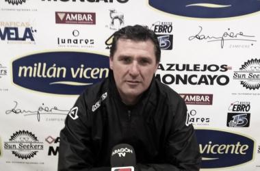Emilio Larraz en los minutos previos a la rueda de prensa | Foto: CD Ebro