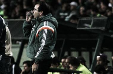"""Ponto conquistado fora de casa não satisfaz Enderson Moreira: """"Jogamos para vencer"""""""